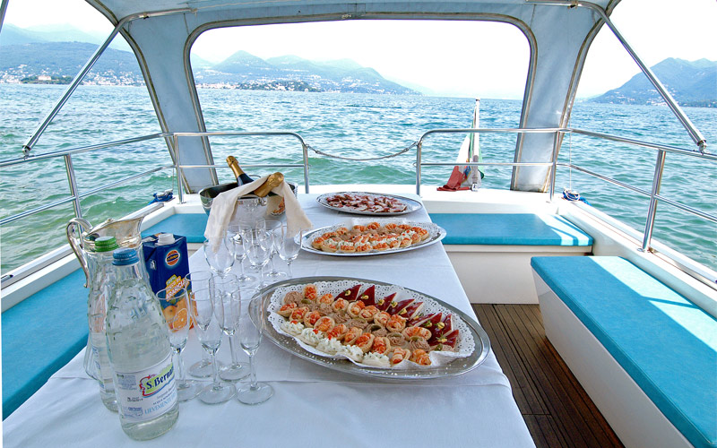 On board Catering and buffet